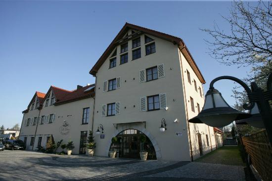 Villa Estera - adres, telefon, www | Hotele i noclegi Ursus Warszawa Ursus Warszawa