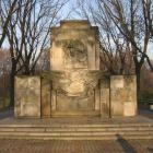 Pomniki stare i nowe