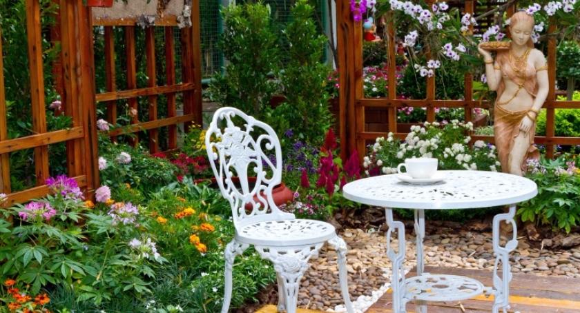 Inwestycje, Gdzie najlepiej ustawić meble ogrodowe - zdjęcie, fotografia