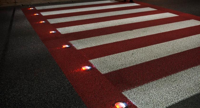 Bezpieczeństwo, Aktywne przejście pieszych Modlińskiej - zdjęcie, fotografia