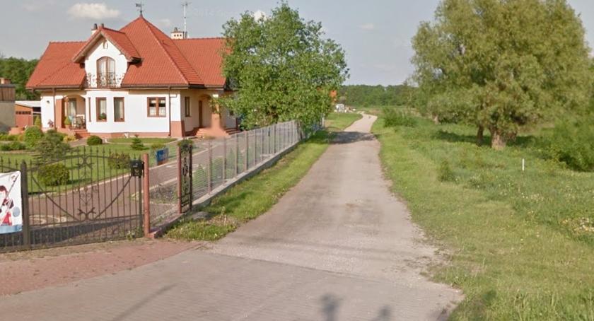 Drogi, listy dróg wybrano cztery oznacza niewiele ponad kilometr asfaltu więcej Białołęce - zdjęcie, fotografia