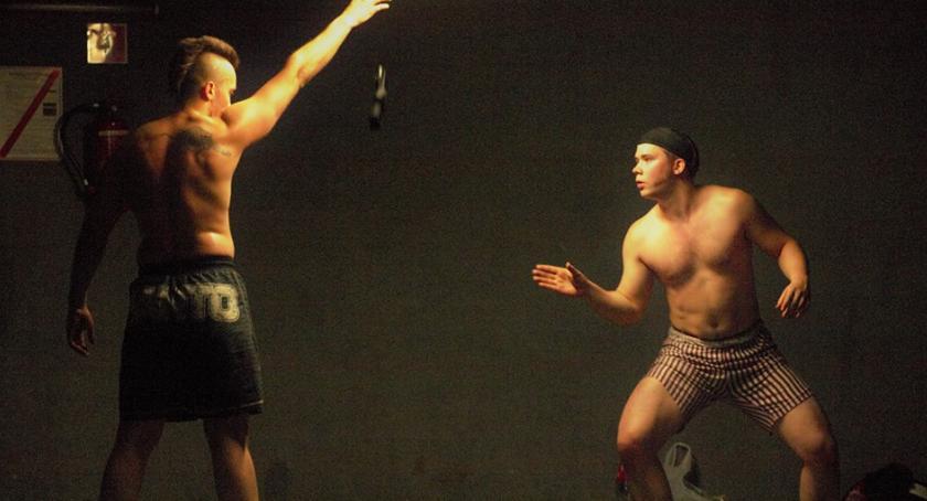 Sport, Sztuki walki wielką pasją Zapraszają innych wspólnych treningów - zdjęcie, fotografia