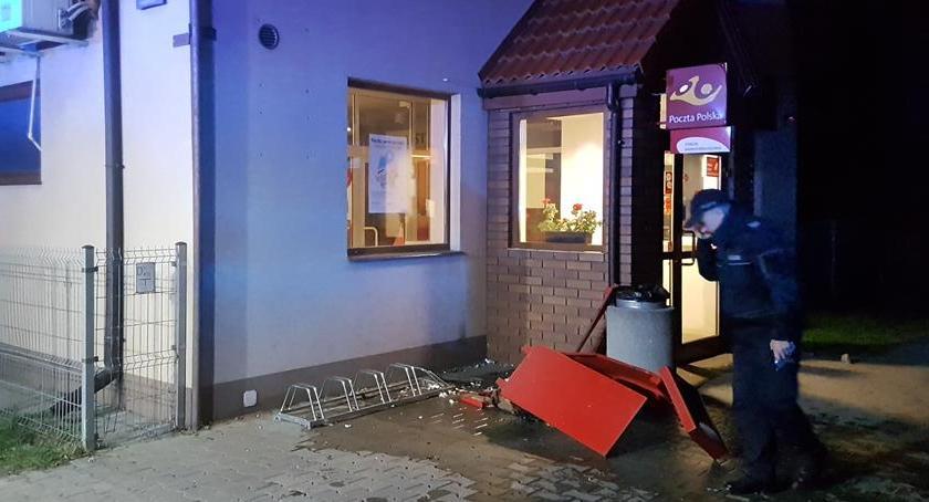 Bezpieczeństwo, Eksplozja ładunku wybuchowego skrzynce listy Głębockiej - zdjęcie, fotografia
