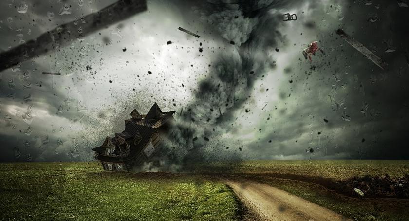 Prognoza pogody, Nadchodzący orkan Marcin sensacja potrzeby mediów Łowca ostrzeżeniach - zdjęcie, fotografia