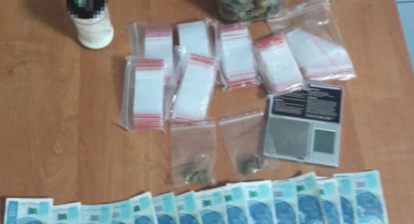 Narkotyki, Akcja kryminalnych Białołęce zabezpieczone ponad środków odurzających - zdjęcie, fotografia