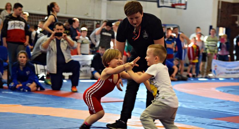 Sport, Zapasy czyli Warszawska Olimpiada Młodzieży [ZDĘCIA] - zdjęcie, fotografia