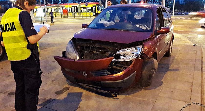 Wypadki, Wczorajszy wypadek skrzyżowaniu Światowida Ordonówny [ZDJĘCIA] - zdjęcie, fotografia