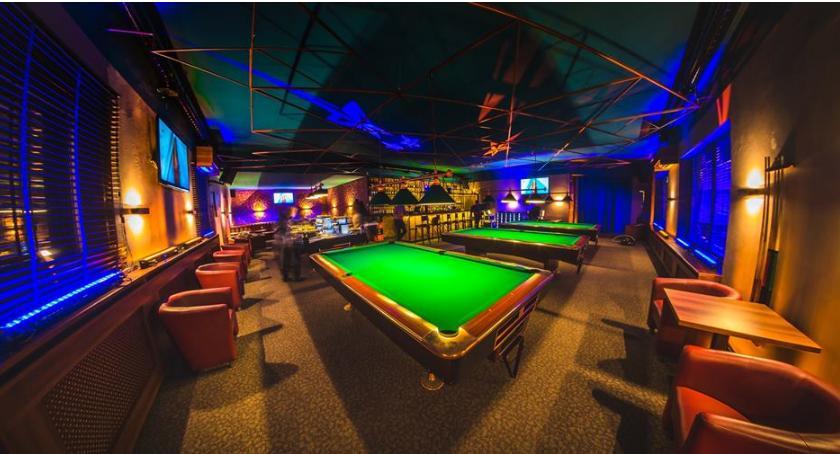 Bar Pictures może nam zaproponować świetny klimat i kilka stołów bilardowych