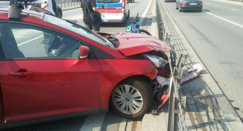 Wypadki, Rozbitym autem próbował uciekać miejsca wypadku [ZDJĘCIA straży] - zdjęcie, fotografia