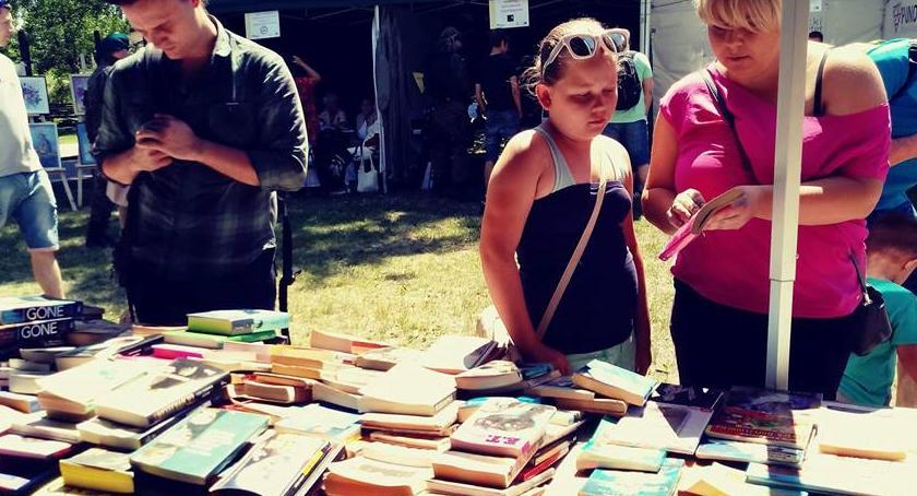 Zapowiedzi, Wymiana książek niedzielę parku Henrykowskim! - zdjęcie, fotografia