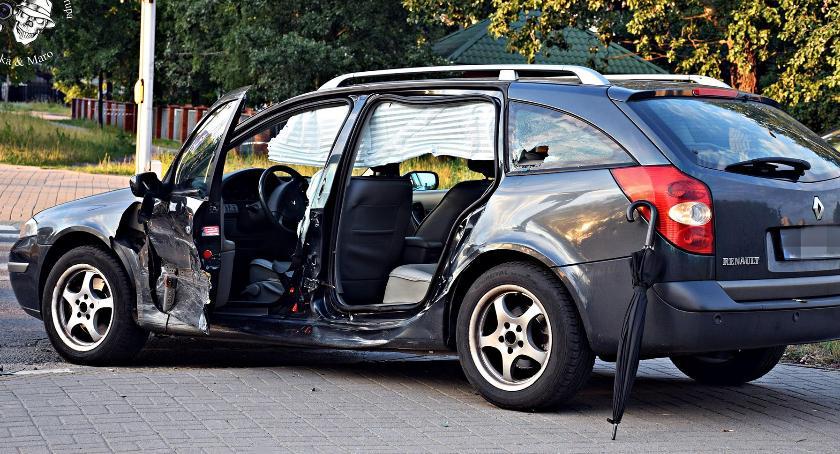 Wypadki, Zderzenie dwóch skrzyżowaniu Myśliborskiej Mehoffera [ZDJĘCIA] - zdjęcie, fotografia
