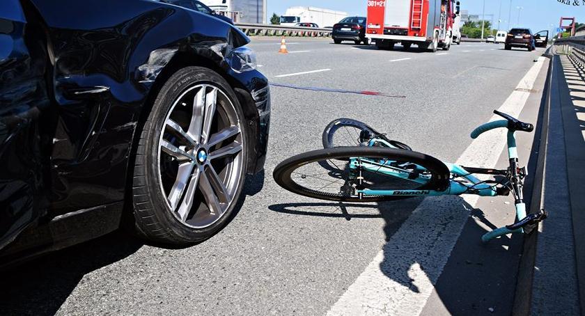 Wypadki, Tragedia Modlińskiej Rowerzysta zmarł zderzeniu [ZDJĘCIA] - zdjęcie, fotografia