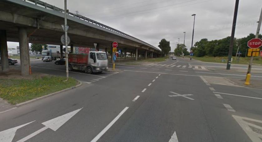 Drogi, Rondo turbinowe uporządkuje skrzyżowaniu Modlińskiej Płochocińską - zdjęcie, fotografia