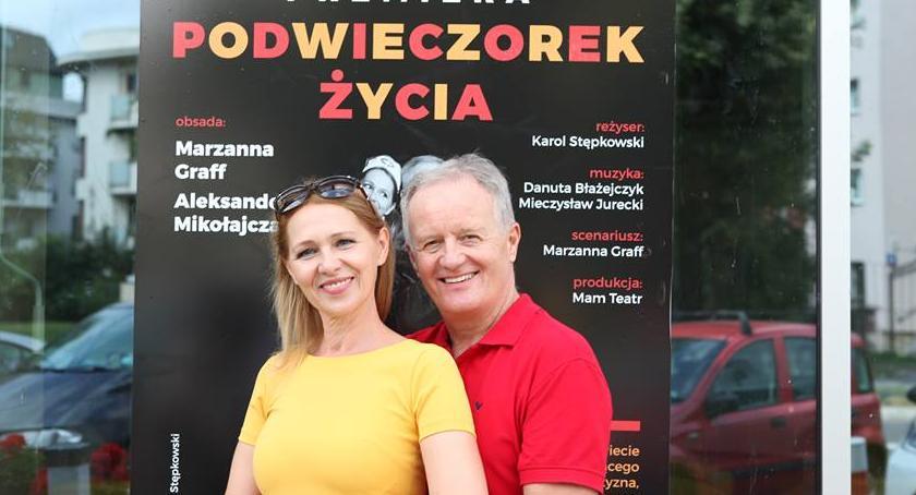 Teatr, Premiera Podwieczorku Życia niesamowita zabawa naszymi aktorami - zdjęcie, fotografia