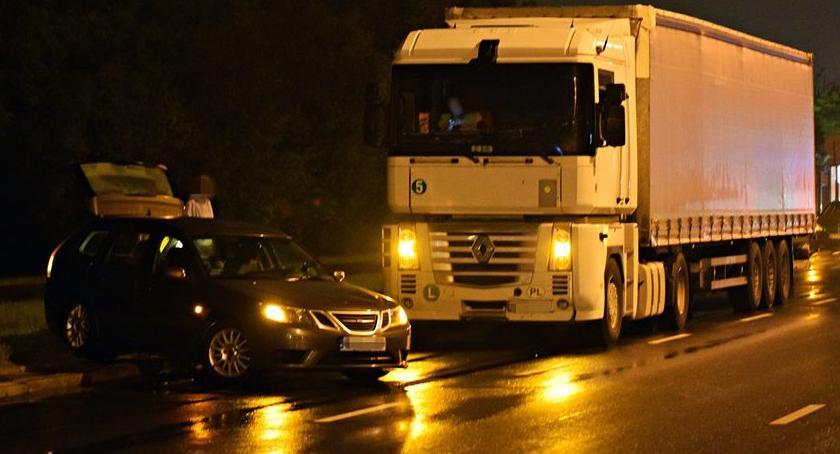 Wypadki, Zderzenie ciężarówki osobówką Modlińskiej [ZDJĘCIA] - zdjęcie, fotografia