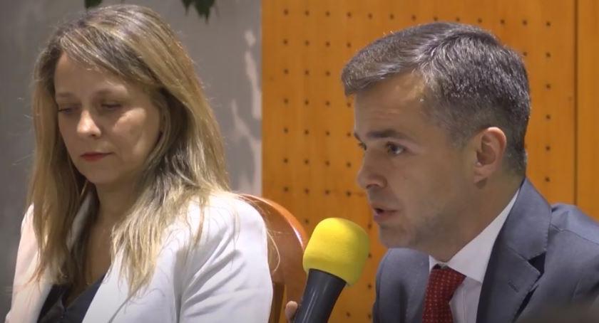 Samorząd, Przewodniczącym Dzielnicy Piotr Jaworski Mariola Olszewska - zdjęcie, fotografia