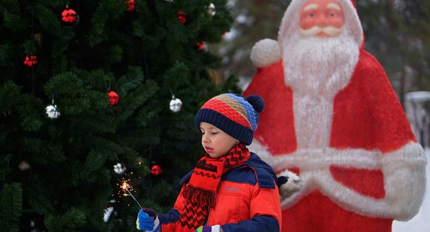 Zapowiedzi, Wioska Mikołaja przed Urzędem Dzielnicy Świąteczne spotkanie sobotę! - zdjęcie, fotografia