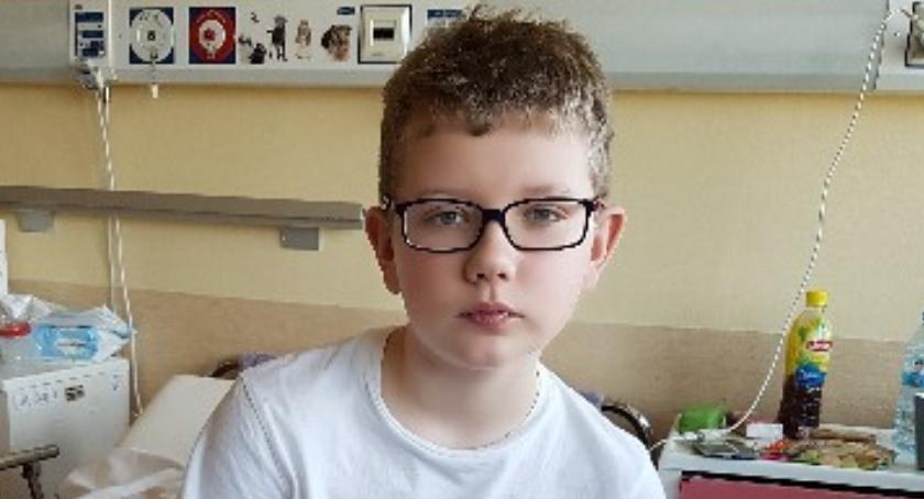 Dzieci i młodzież , młody sąsiad walczy życie Pomóżmy Patrykowi wygrać glejakiem!!! - zdjęcie, fotografia