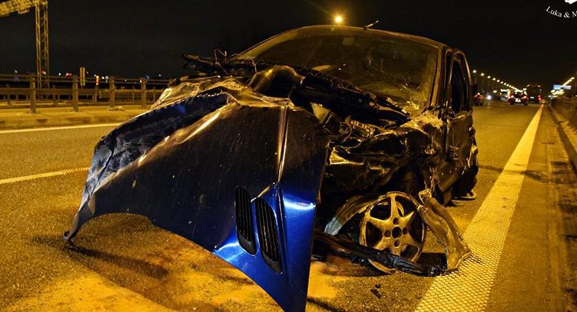 Wypadki, Wjechał barierki [ZDJĘCIA] - zdjęcie, fotografia