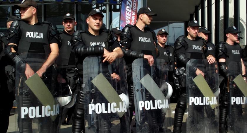 Bezpieczeństwo, Dzień Wagarowicza policją - zdjęcie, fotografia