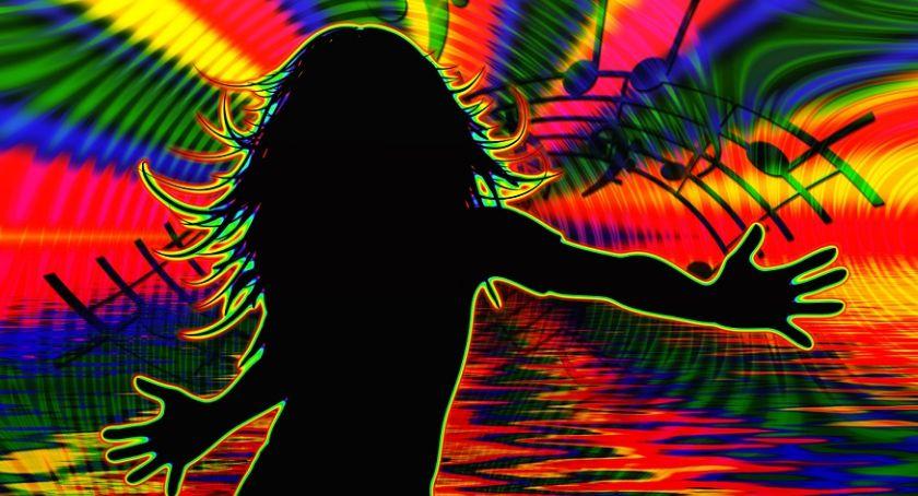 Muzyka, rytmie disco Piękni Młodzi After Party Playboys - zdjęcie, fotografia