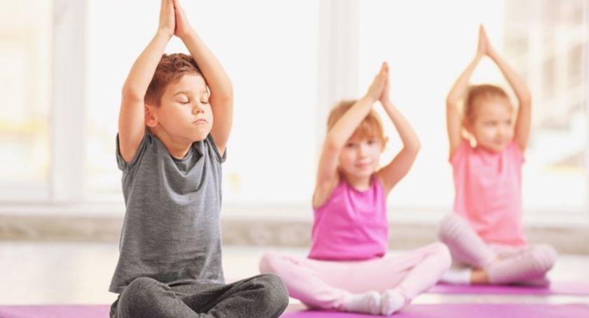 Sport, Dlaczego warto zapisać swoje dziecko jogę - zdjęcie, fotografia