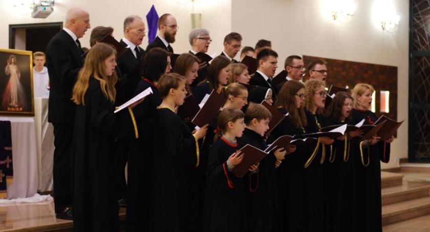 Muzyka, Pasja według świętego rozbrzmiała Białołęce - zdjęcie, fotografia