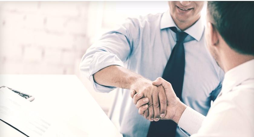 Handel i usługi, czyli teraz sprzedaje - zdjęcie, fotografia