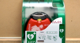 Defibrylatory w miejscach publicznych - projekt ratujący życie