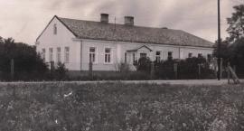 Szkoła wśród lasów z wielką historią – SP 154