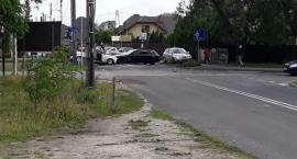 Wypadek na skrzyżowaniu, autobusy na objazdach.