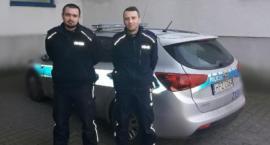 Białołęccy policjanci eskortowali auto z chorym dzieckiem