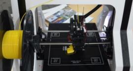 Drukarki 3D w białołęckich szkołach. Nowatorski program już od września