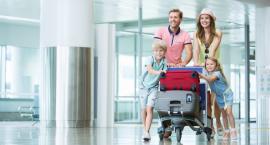 Na wakacje z biurem podróży czy indywidualnie?