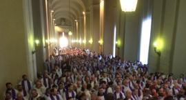 Kontrowersyjny duchowny z daleka wygłosi rekolekcje w Global Expo