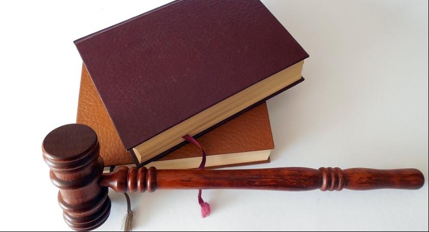 Wywiady, Rozmowa prawnikiem łamaniu dziecka - zdjęcie, fotografia