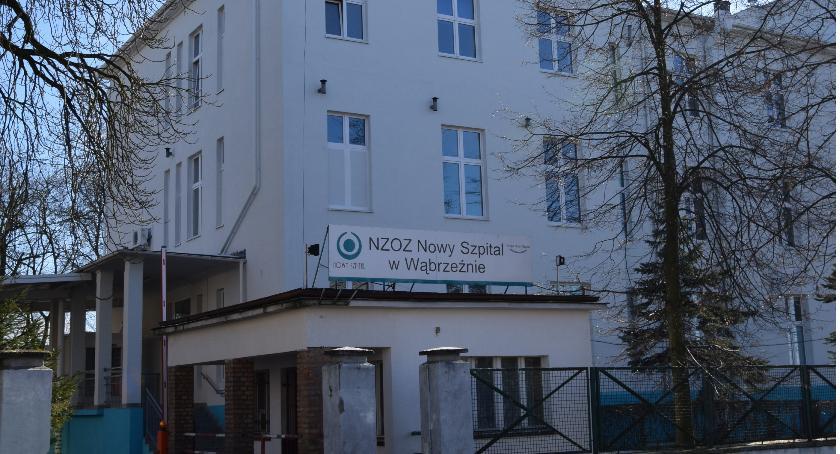 Zdrowie, Nocna świąteczna opieka zmian wąbrzeskim szpitalu - zdjęcie, fotografia