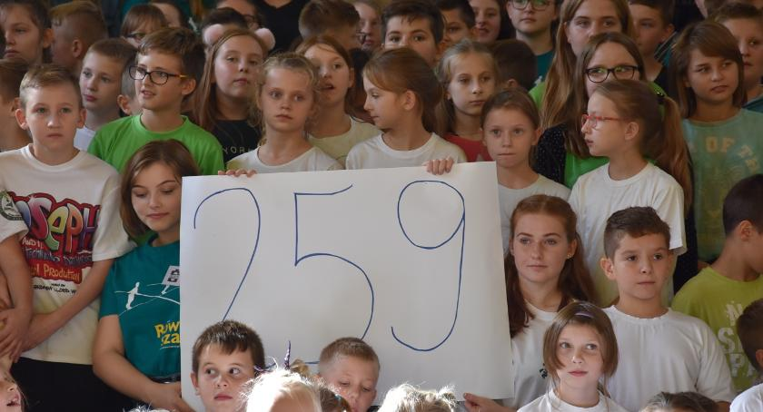 Akcja charytatywna, Zieleń pobił rekord - zdjęcie, fotografia