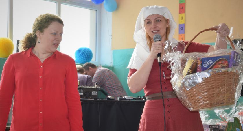 Akcja charytatywna, Zebrali tysięcy leczenie Ignasia - zdjęcie, fotografia