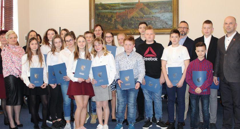 Samorządy Gminne, Stypendia rozdane - zdjęcie, fotografia