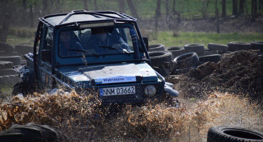 Wydarzenia lokalne, Ekstremalne jazdy bezdrożach powiatu - zdjęcie, fotografia