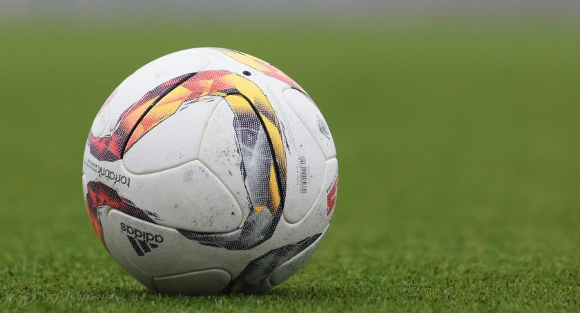Piłka nożna, Udana majówka młodzieży - zdjęcie, fotografia