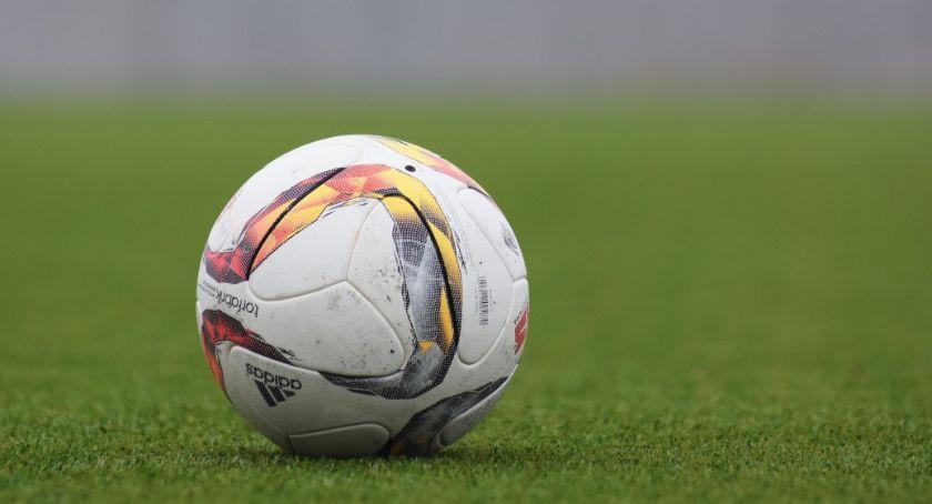 Piłka nożna, Kanonada trampkarzy - zdjęcie, fotografia