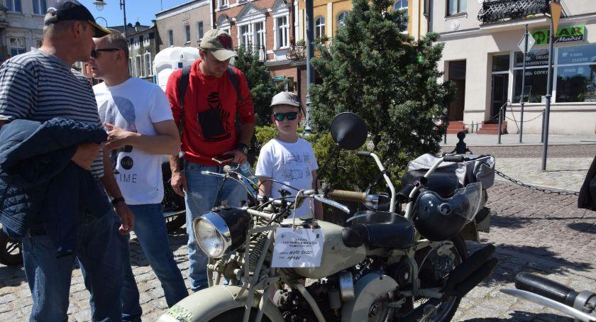 Domy kultury, Motocyklowe eldorado wąbrzeskim rynku - zdjęcie, fotografia