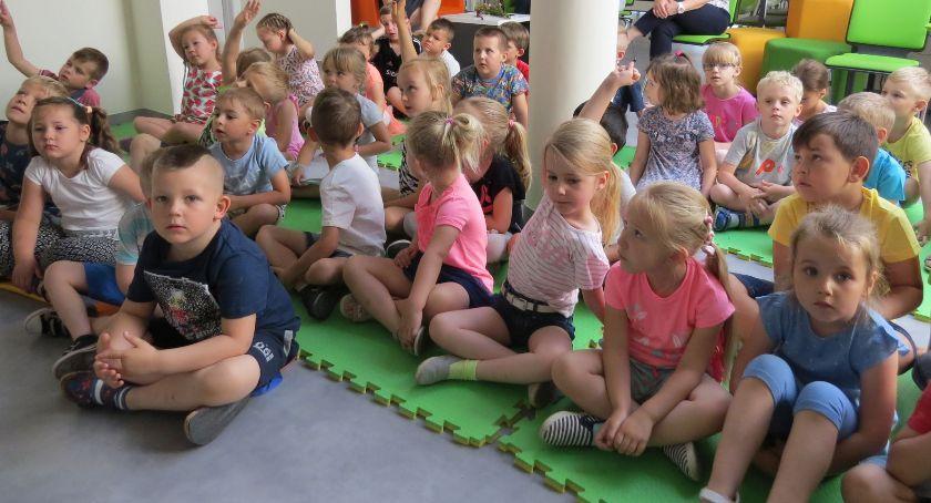 Biblioteki, Literackie spotkania dzieci dorosłych - zdjęcie, fotografia