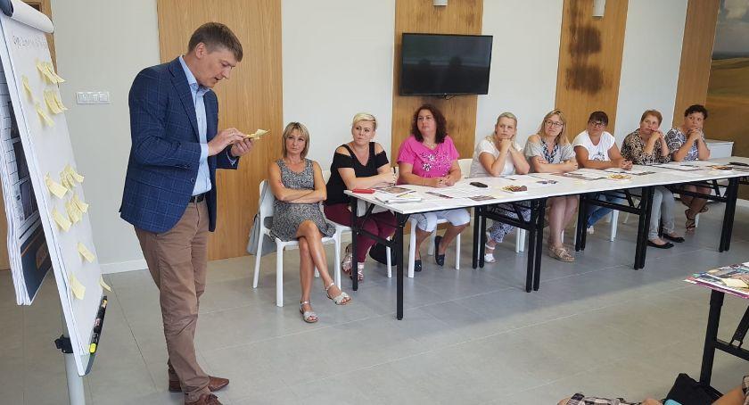 Samorządy Gminne, Wójt szkolił sołtysów - zdjęcie, fotografia