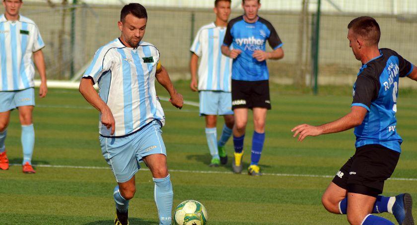 Piłka nożna, Wąbrzeźno rozgromiła Sokoła - zdjęcie, fotografia