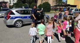 Policjant  uprzedszkolaków
