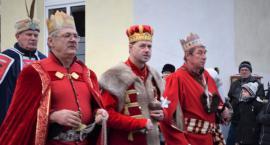 Trzej Królowie na ulicach miasta