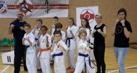 Trzy złota karateków